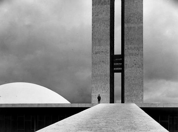 elliott-erwitt-brasilia-1961