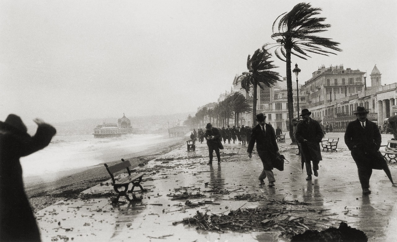 storm-in-nice-france-1925-photo-by-jacques-henri-lartigue1