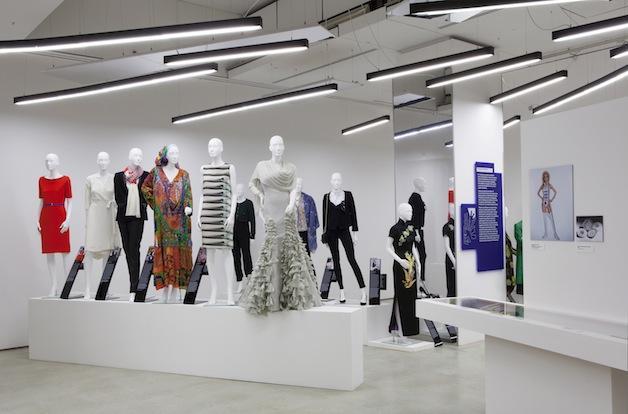 Women Fashion Power 002