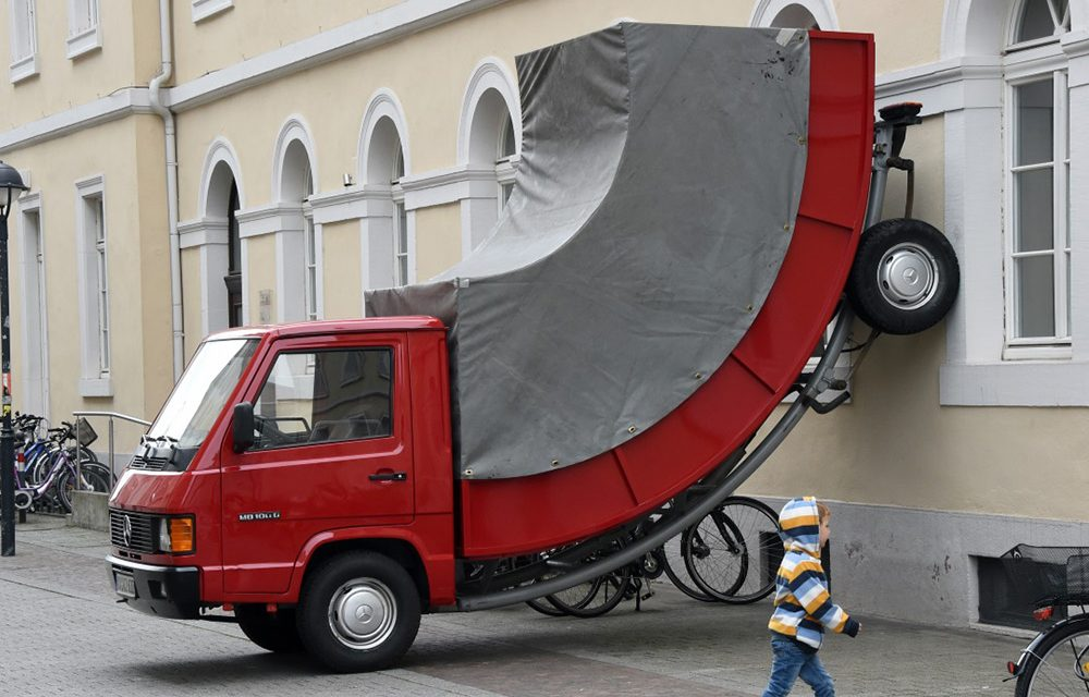 Erwin Wurm's last sculpture has gotten a parking ticket